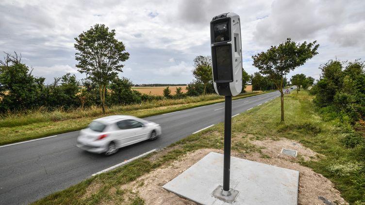 Un radar tourelle,en juin 2019 près de La Rochelle (Charente-Maritime). (XAVIER LEOTY / AFP)