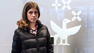 Nadedja Tolokonnikova, une des Pussy Riot libérées, à l'aéroport de Moscou le 27 décembre 2013  (Dmitry Serebryakov / AFP)