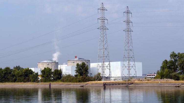 La centrale nucléaire de Fessenheim (Haut-Rhin), le 19 juillet 2013. (PATRICK SEEGER / DPA)