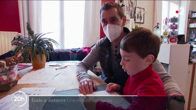 Éducation : une rentrée laborieuse pour les familles, avec les cours à la maison