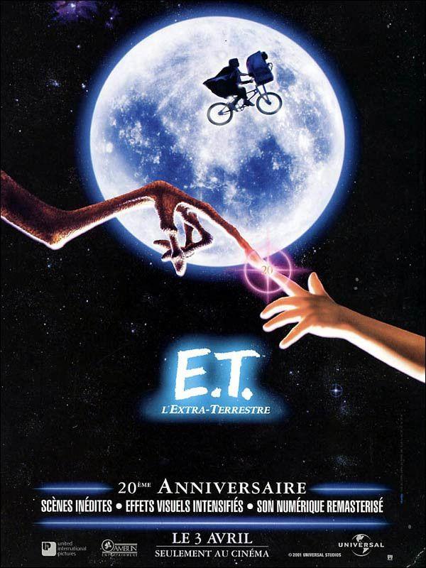 """L'affiche du film """"E.T. L'Extra-terrestre"""" (1982), réalisé par Steven Spielberg, a été dessinée par l'artiste Drew Struzan. (AMBLIN / UNIVERSAL)"""