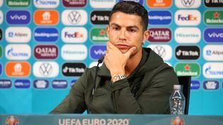 Cristiano Ronaldo lors d'une conférence de presse (sans bouteille de soda devant lui), le 14 juin 2021. (HANDOUT / UEFA)