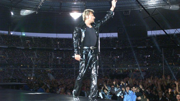 Johnny Hallyday au Stade de France le 5 septembre 1998. (JACK GUEZ / AFP)