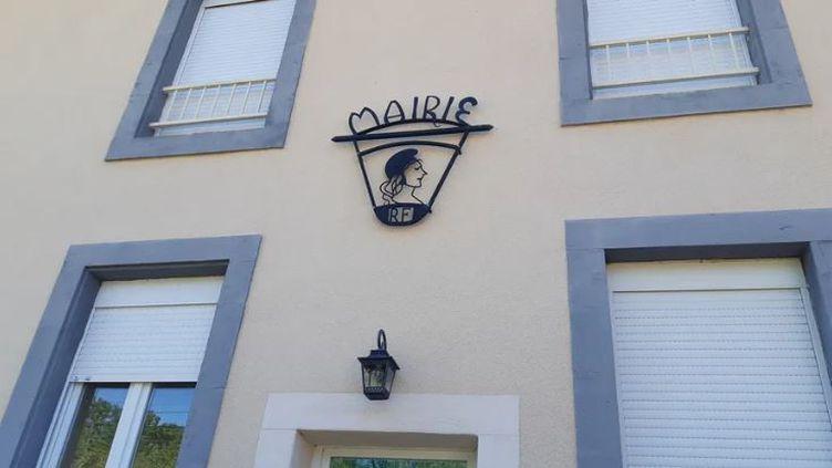Esteil, 55 habitants dans le Puy-de-Dôme, n'a toujours pas de maire, faute de candidat. (JULIETTE MICHENEAU / RADIO FRANCE)