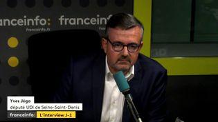 """Le député UDI, Yves Jégo,invitéde """"L'Interview J-1"""". (FRANCEINFO)"""