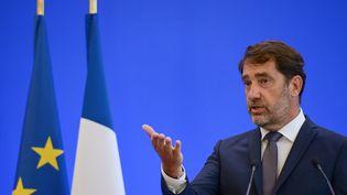 Le ministre de l'Intérieur, Christophe Castaner, lors d'une conférence de presse, le 8 juin 2020 à Paris (ISA HARSIN / AFP)