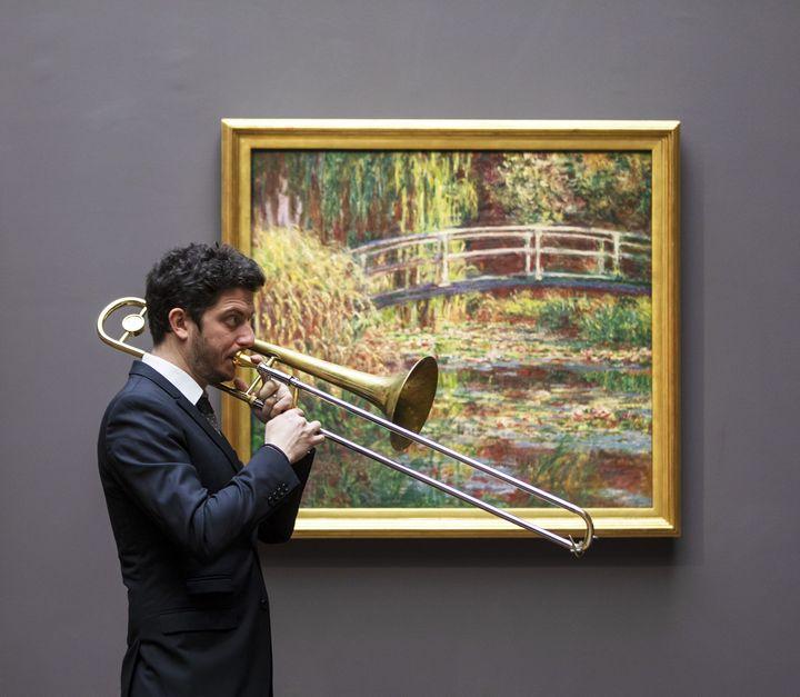 Musicien de l'orcheste The Amazing Keystone Big Band au musée d'Orsay. (SOPHIE CREPY)