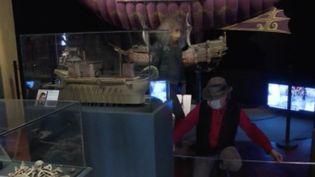 Outre les commerces, bon nombre de petits musées ne pensaient pas pouvoir rouvrir le 11 mai. Dans le Vieux Lyon, par exemple, le musée Cinéma et Miniature s'active pour retrouver ses visiteurs. (FRANCE 3)