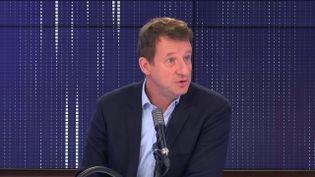 """Yannick Jadot,député européen Europe Écologie-Les Verts était l'invité du """"8h30franceinfo"""", mardi 10 novembre 2020. (FRANCEINFO / RADIOFRANCE)"""