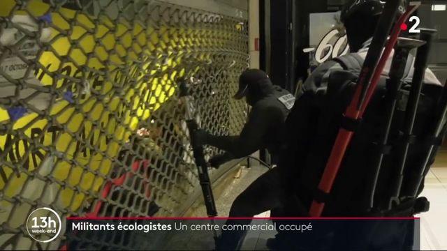 Paris : le centre commercial Italie 2 occupé par des militants écologistes