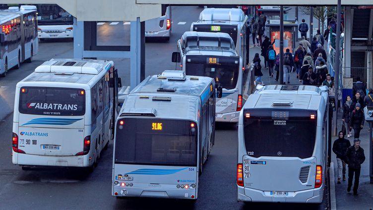 Un dépôt de bus à Massy-Palaiseau (Essonne), le 18 décembre 2019. (LAURENT GRANDGUILLOT/REA)