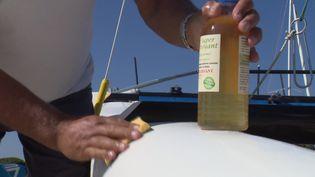 Un nettoyant pour bateaux à base d'huile de friture. (CAPTURE D'ÉCRAN FRANCE 3)