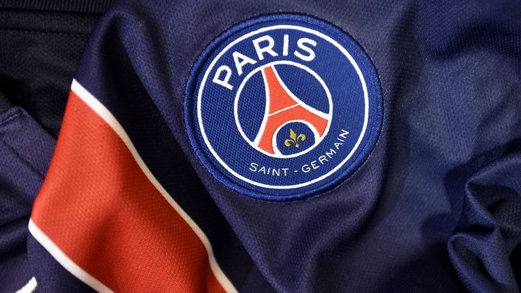 Un détail du maillot du Paris Saint-Germain, en 2015. (Photo d'illustration) (FRANCK FIFE / AFP)