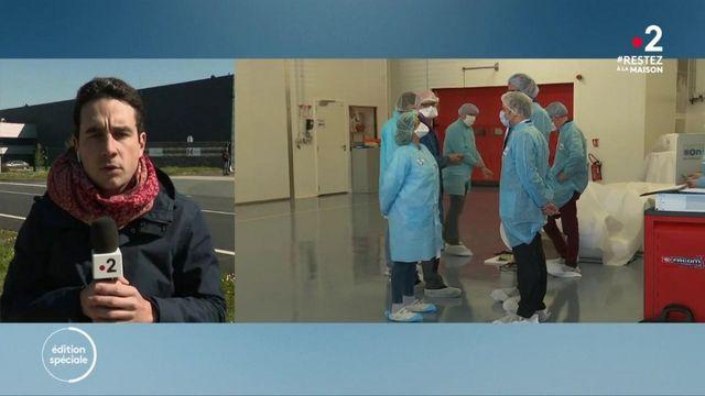 Coronavirus : Emmanuel Macron en visite dans une usine de masques dans le Maine-et-Loire