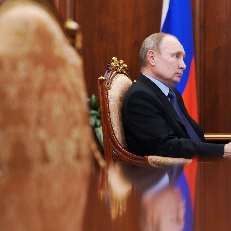 Le président russe Vladimir Poutine, au Kremlin, lundi 5 avril 2021. (ALEXEI DRUZHININ / SPUTNIK / AFP)
