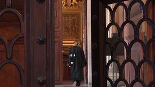 Justice: le devoir conjugal est-il imposé en droit français ? (France 3)