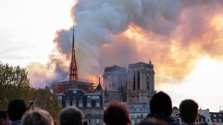 La flèche de Notre-Dame de Paris, le 16 avril 2019. (BENJAMIN FILARSKI / HANS LUCAS)