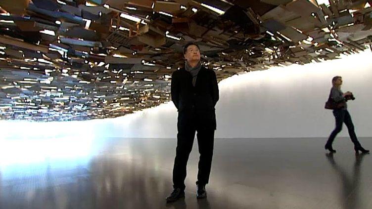 "Tadashi Kawamata sous sa ""vague de déchets"" de Fukushima  (France 3 / Culturebox)"