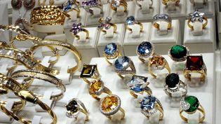 Des bijoux de valeur ont été dérobés par les cambrioleurs. (Photo d'illustration) (JULIO PELAEZ / MAXPPP)