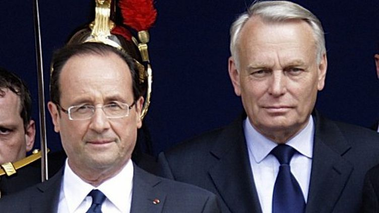 François Hollande et Jean-Marc Ayrault, le 15 mai. (PASCAL ROSSIGNOL / POOL)