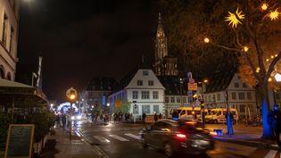 Une voiture dans les rues de Strasbourg, le 12 décembre 2018. (CHRISTOPH DE BARRY / HANS LUCAS / AFP)