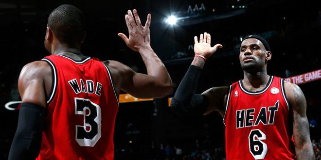 Dwyane Wade et LeBron James (Miami Heat) (KEVIN C. COX / GETTY IMAGES NORTH AMERICA)