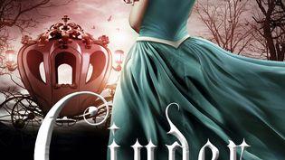"""Cinder"" de Marissa Meyer (POCKET JEUNESSE)"