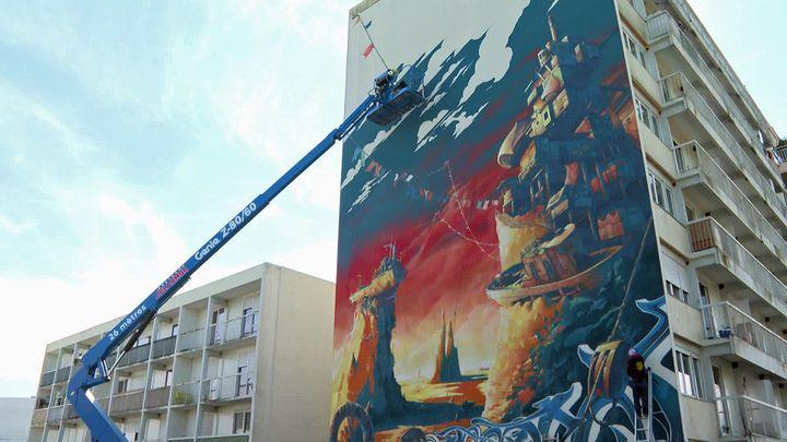 Dernière réalisation en date ducollectifTSF Crew, une fresque de plus de 22 mètres sur la façade d'un immeuble de Saint-Brieuc (France 3 Bretagne)