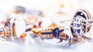 Un voleur a réussi à subtiliser, le 30 décembre 2016, des bijoux sous les yeux des vendeurs d'une joaillerieparisienne (photo d'illustration). (EYEEM / GETTY IMAGES)