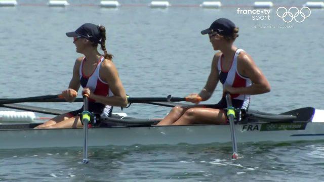 Claire Bové et Laura Tarantola débutent parfaitement leurs Jeux olympiques en remportant leur série du deux de couple poids léger. Elles se qualifient directement pour les demi-finales.