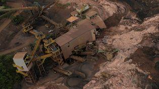Une vue aérienne du barrage de la mine Corrego do Feijao,après qu'il a cédé, déclenchant une coulée de boue, le 25 janvier 2019. (WASHINGTON ALVES / REUTERS)