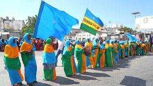 Manifestation à Mogadiscio (Somalie) en 2017 pour une solution sur le différend frontalier maritime entre le Kenya et la Somalie. (SADAK MOHAMED / ANADOLU AGENCY /AFP)