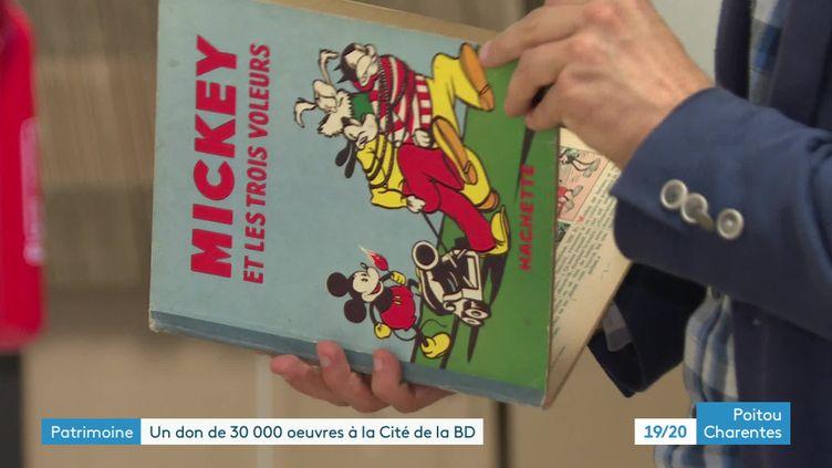 Un don de 30 000 ouvrages offert à la Cité internationale de la bande dessinée et de l'image d'Angoulême (France 3 Poitou-Charentes)