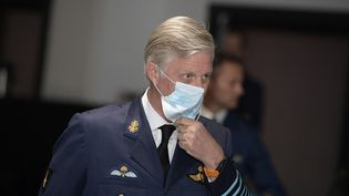 Le roi Philippe de Belgique, lors d'une visite à la base aérienne militaire de Kleine-Brogel, à Peer, le 24 juin 2020. (YORICK JANSENS / BELGA MAG)