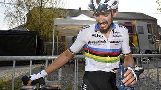 Julian Alaphilippe (Deceuninck-Quick Step) après sa troisième victoire à la Flèche wallonne, 21 avril 2021. (ERIC LALMAND / BELGA)