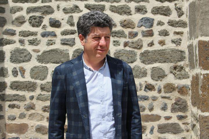 Jean-Marc Boyer, maire de Blanzac (Haute-Loire), le 31 mai 2021. (ROBIN PRUDENT / FRANCEINFO)