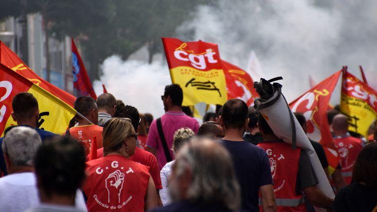 Des manifestants contre la réforme de la SNCF, le 24 mai 2018, à Marseille (Bouches-du-Rhône). (GERARD BOTTINO / CROWDSPARK)