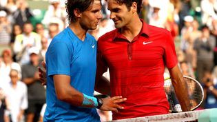 Rafael Nadal et Roger Federer lors de la finale de Roland-Garros, le 5 juin 2011. (BACK PAGE IMAGES / REX /REX/SIPA / REX)