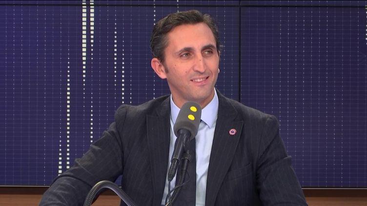 Ledéputé LR du Vaucluse Julien Aubert, le 28 novembre 2018 sur franceinfo. (FRANCEINFO / RADIOFRANCE)