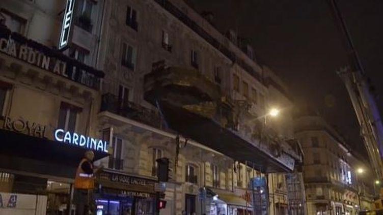"""Un bateau-vanne, filmé dans un documentaire de France 5 """"les gardiens du Paris souterrain"""", diffusé le2 octobre 2016. (FRANCE 5)"""