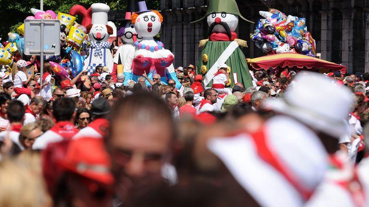 Des festivaliers lors de la 79e édition des Fêtes de Bayonne, le 2 août 2015. (IROZ GAIZKA / AFP)