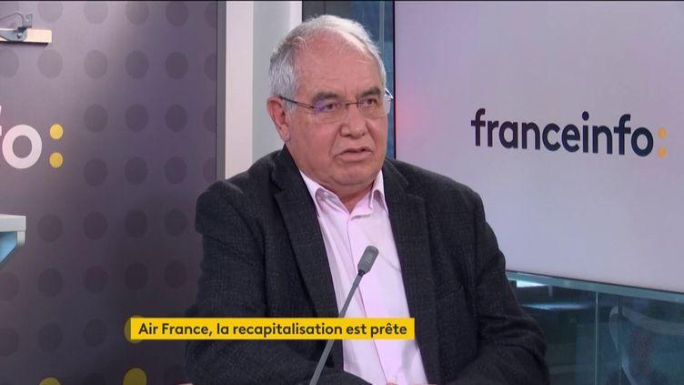 Jean-Louis Baroux, fondateur d'APG, premier réseau mondial de représentation des compagnies aériennes, invité éco de franceinfo, mardi 6 avril 2021. (FRANCEINFO)
