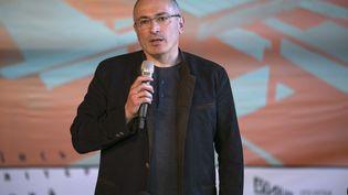 L'opposant russe Mikhail Khodorkovski, le 27 avril 2014 à Donetsk (Ukraine). (BAZ RATNER / REUTERS)