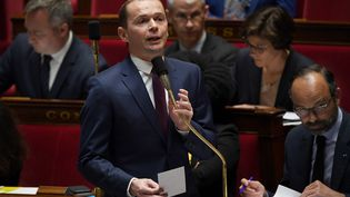 Olivier Dussopt, lesecrétaire d'Etat à la Fonction publique, à l'Assemblée nationale, le3 avril 2019. (CHRISTOPHE ARCHAMBAULT / AFP)