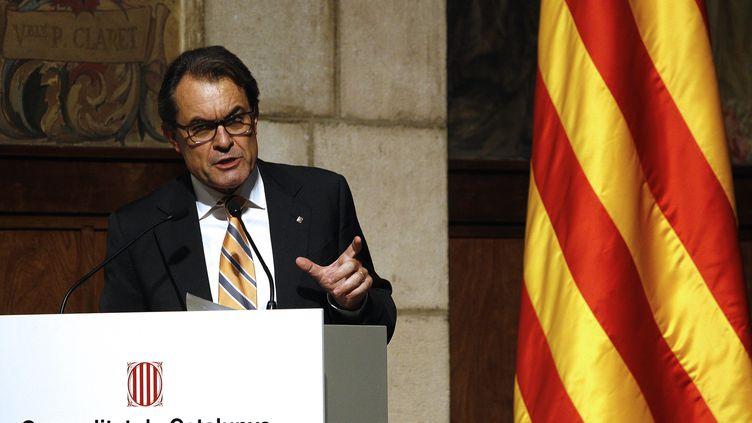 Le président du gouvernement régional catalan, Artur Mas, le 29 septembre 2014 à Barcelone (Espagne), lors d'un discours sur la transition nationale de la Catalogne. (QUIQUE GARCIA / AFP)