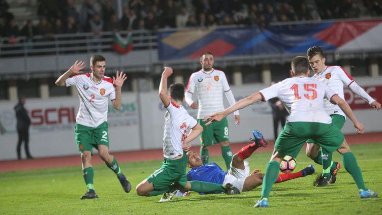 Les U19 dominés par les Bulgares (JDUTAC / MAXPPP)