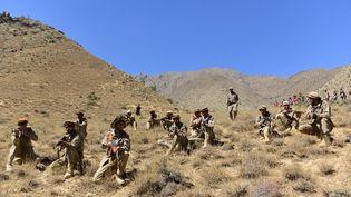 Les forces de résistance au régime afghan dans la vallée du Panchir (Afghanistan), le 2 septembre 2021. (AHMAD SAHEL ARMAN / AFP)