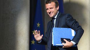 Emmanuel Macron à l'Elysée le 22 août 2016 (STEPHANE DE SAKUTIN / AFP)