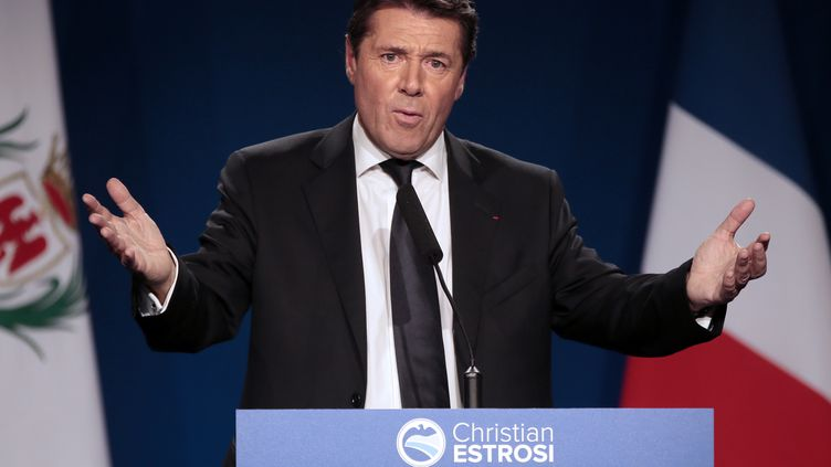 Le député-maire de Nice (Alpes-Maritimes),Christian Estrosi, en meeting le 17 novembre 2013. (VALERY HACHE / AFP)