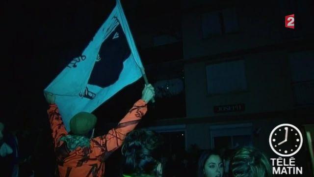 Salle de prière musulmane saccagée, corans partiellement brûlés, slogans xénophobes : plusieurs centaines de personnes ont envahi une cité populaire d'Ajaccio.